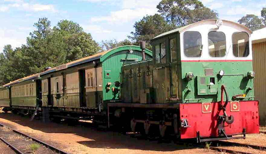 The Etmilyn Diner Train consists of 1 of our vintage diesel locomotives, 1907 Brakevan ZJ 367, 1919 Dining Car AV 426 & 1884 Club Car AL 2