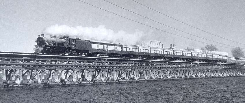 W 958 heads a special passenger train to Coolup across the Bunbury bridge at Perth in September 1969 - photo by Clarrie Cole